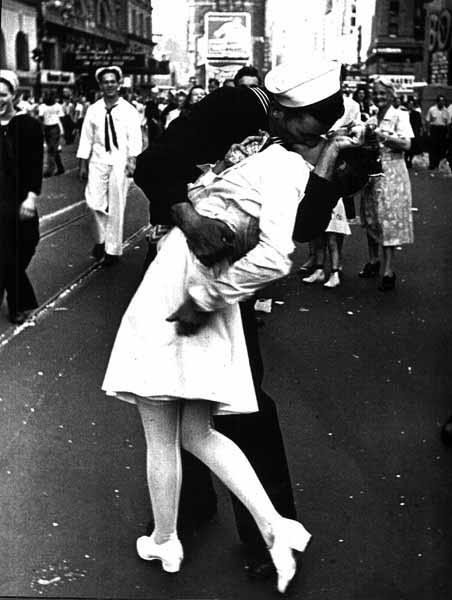 navywife.jpg