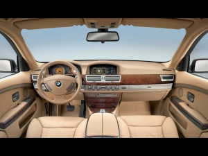 BMW%207%20Series%20Interior-377660